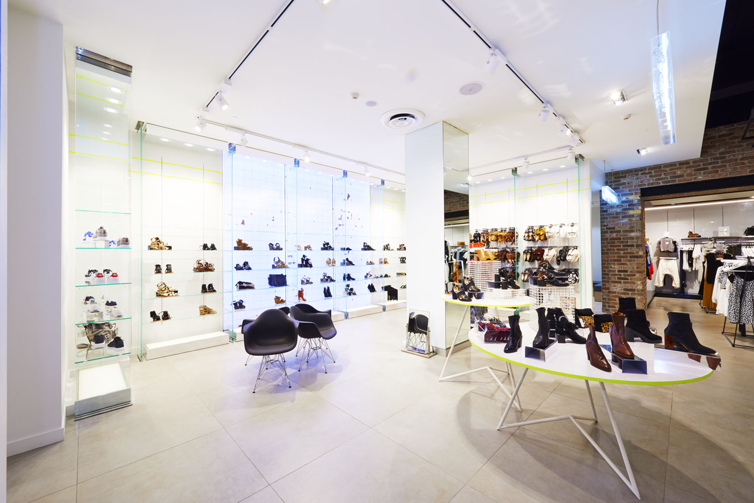 retail-store-fit-out-2